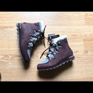 Sorel Sneak chic Anthropologie boots